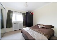 Superb 2 Bed Flat in West Barnes Lane, Raynes Park !! Available begging June !