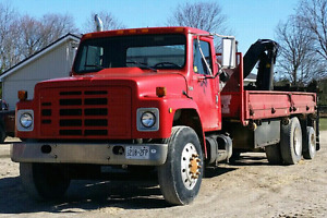 1986 International Boom / Crane Truck