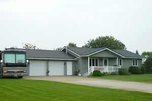 LAKEVIEW HOME NEAR GRAND BEND
