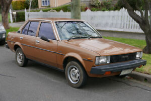 LOOKING TO BUY A 1979-1983 TOYOTA COROLLA DX