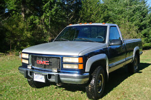1996 GMC Sierra 2500 SLE Turbo Diesel Low 137,000 Km.