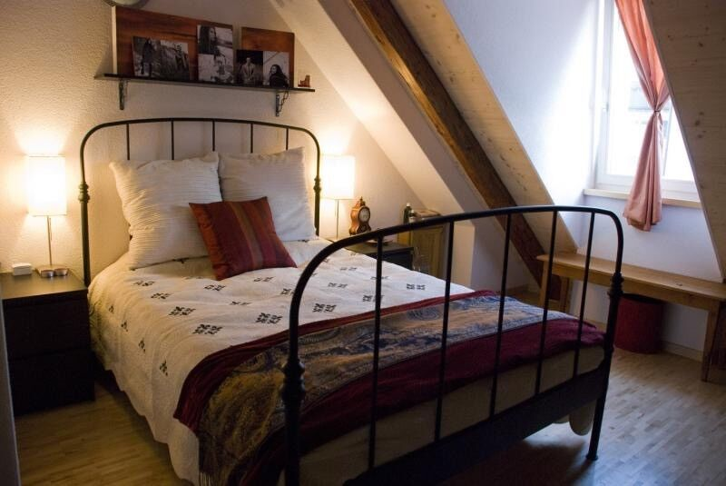 Ikea Lillesand Black Metal Frame Bed King Size In Beddau