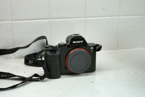 Sony A7 Body Mirrorless SLR (35000 Actuations ) + 2 Batteries