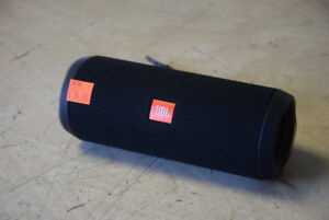 JBL Flip 4 Waterproof Bluetooth Speaker - LIKE NEW