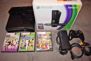 Xbox 360 Kinect bundle Complete in Box with 3 Games plus Bonus