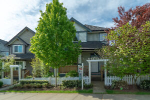 Calm & Relaxing 4 Bed + 4 Bath Home in Langley!