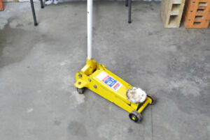 2 Ton Car/Truck Jack and Ramps