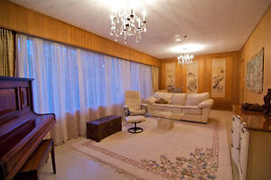 Elegant Fully Furnished 2 Bedroom Near Beach and University