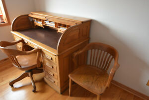 Antique Canadian Solid Oak Roll Top Desk, 2 Chairs, and Lamp