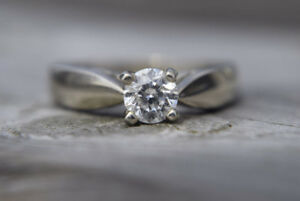 14K White Gold 0.46ct Diamond Engagement Ring - Size 7.5