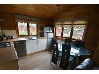 *** Cosy Pinelog Oregon lodge for sale, White Cross Bay Park and Marina, Bowness