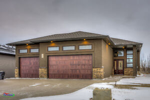 Gorgeous 3bed/2bath move in ready home in White City!