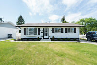 Move-In Ready Bungalow in East Transcona-Jennifer Queen