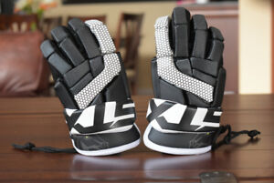 "STX Stallion 100 LACROSSE GLOVES XS (8"") New"