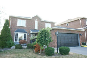 Mccowan/ 16th Ave 4 bed room single house rent at 1900 per month