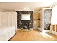 3 Min from Hoxton Station - Pad with Balcony - ASAP Move