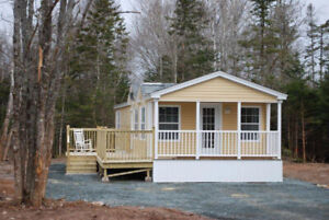 MAPLE LEAF MINI HOMES & IRON WOOD MINI HOMES