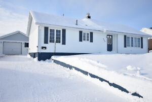 NEW LISTING!! 832 Cook Cr