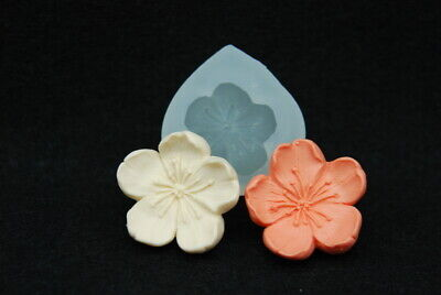 1 flower petal, Silicone Mold Chocolate Polymer Clay Jewelry Soap Wax Resin