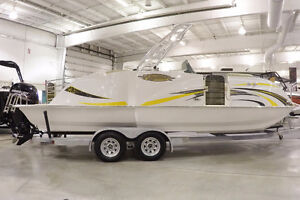 LAST 2016 Caravelle Razor 237UR Priced to Sell-New Coast Marine