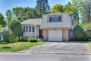 3 Bedroom Split Level in Blackburn on a court - OH OCT 20 @ 2:00