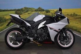 Yamaha YZF-R1 **Quickshifter, Crash Bobbins, Adjustable Levers**
