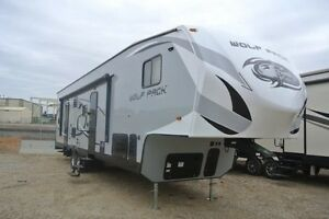 2016 Wolf Pack 315PACK12 Fifth Wheel Toy Hauler