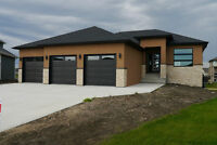 Custom 3bdrm Home in Niverville's Fifth Ave Estates