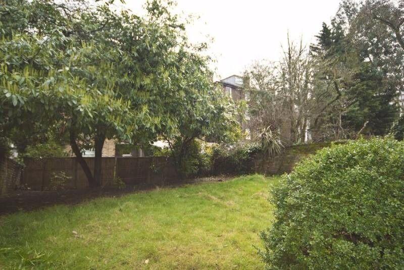 St Johns Wood, Zone 2 - Sumptuous Large En-suite Room