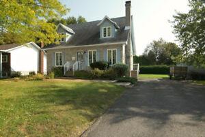 Maison style canadienne grand terrain St-Jean-sur-Richelieu