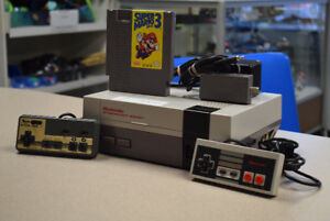 Nintendo NES Console NES-001 w/ 2 Controllers, Game #1460