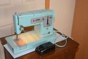 Vintage 1965 Singer 338 Heavy Duty Sewing Machine & Singer Table