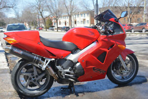 Honda VFR 800Fi Interceptor 2001