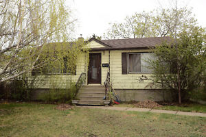 *****SOLID HOME IN HAZELDEAN, 900 SQ. FT. QUIET LOCATION*****