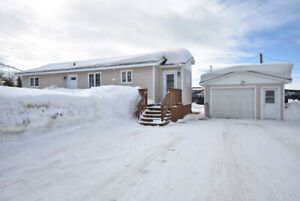 22 Bowater Dr