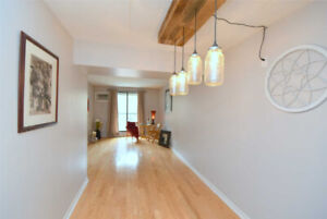 Spacious Bright One Bedroom With Parking And Hardwood Floors!