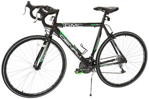 GMC Denali Road Bike 700c, Black/Green, Medium/57cm Frame by GMC
