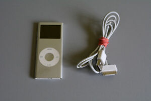 Apple iPod Nano 2nd Generation 2GB with Cable
