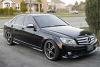 *SPORTS PACKAGE* 2009 Mercedes C-Class Black on Black LOW KMS