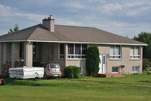 Country living only 20 minutes from Magnetic Hill!! POOL!!