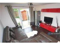 4 bedroom house in Cuddington Avenue, Worcester Park, KT4 (4 bed) (#1158445)