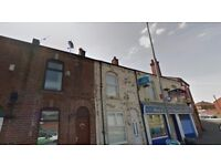 Farnworth, Bolton - Small single furnished room in Flat above shop - Bills and WiFi included