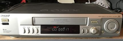 Sony SLV-EZ60 VCR Video Cassette Recorder VHS Player
