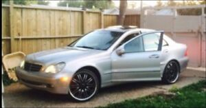 AWD 2005 Mercedes Benz c320 (luxury car)