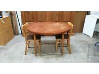 Vintage Table and 2 Chair No190418