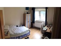 WHITECHAPEL, DOUBLE ROOM FOR RENT WITH ALL BILLS INCLUDED (AVAILABLE NOW)