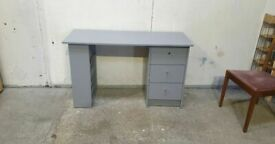 Malibu 3 Drawer Office Desk - Grey No020406