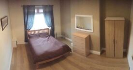 **LARAGE ROOMTS TO RENT - ALL BILLS INCLUDED**