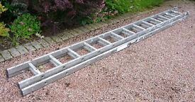 Extendable Box Section Ladder - 18' (5.5m approx)