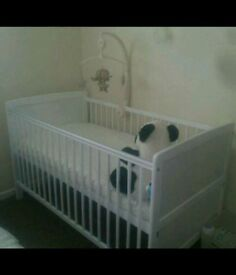 Brand new Baby Elegance cot
